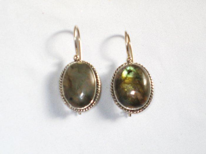 ER066 Labradorite Earrings set in sterling silver