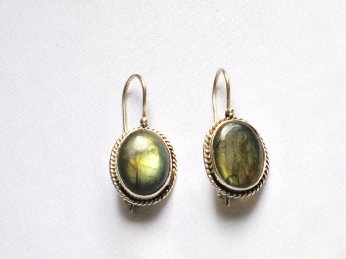 ER102 Labradorite Earrings set in sterling silver