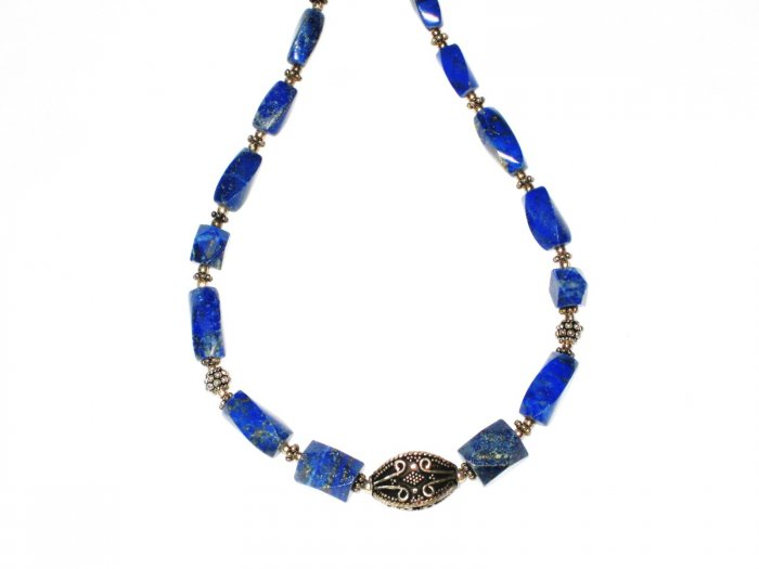 ST528       Lapis Lazuli Necklace in Sterling Silver