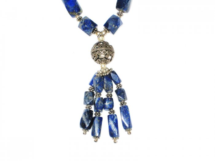 ST529      Lapis Lazuli Necklace in Sterling Silver