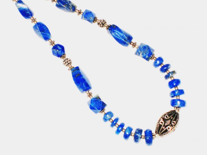 ST542      Lapis Lazuli Necklace in Sterling Silver