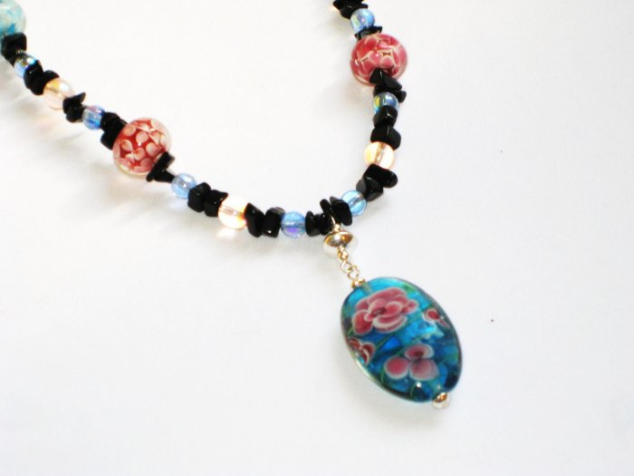 ST295     Murano Glass Necklace, Earrings and Bracelet  in Sterling Silver
