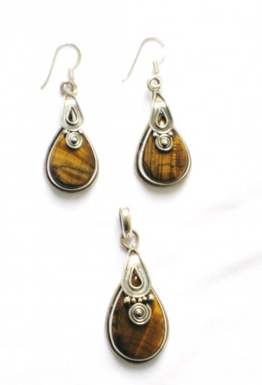 ER104 Tiger's Eye Pendant and Earrings Set in Sterling Silver