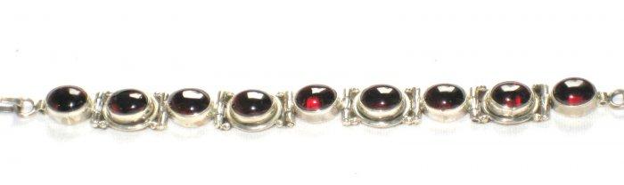 ST154 Garnet Bracelet in Sterling Silver