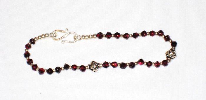 ST186 Garnet Bracelet in Sterling Silver