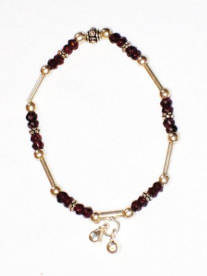 ST184 Garnet Bracelet in Sterling Silver