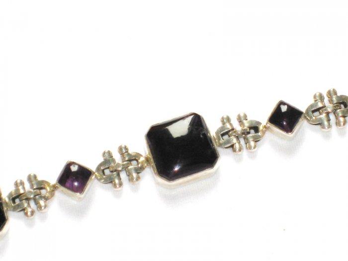 ST152      Amethyst Bracelet in Sterling Silver