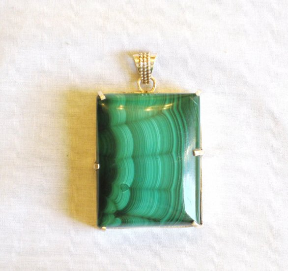 PN410 Malachite Pendant in Sterling Silver