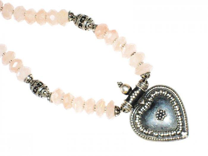 ST525 Rose Quartz Necklace in Sterling Silver