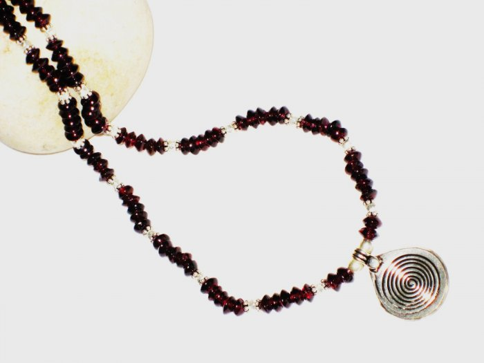 ST534 Garnet Necklace in Sterling Silver