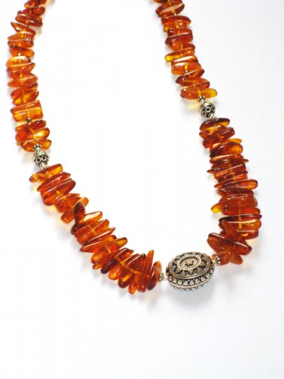 ST057 Amber Necklace in Sterling Silver