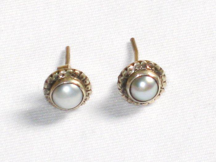 ER058 Pearl Earrings in Sterling Silver