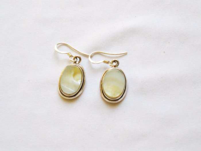 ER006 Mother of Pearl Earrings in Sterling Silver