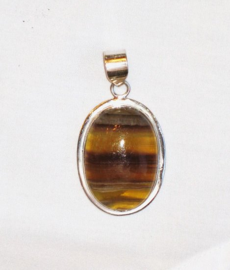 PN096 Agate Pendant in Sterling Silver