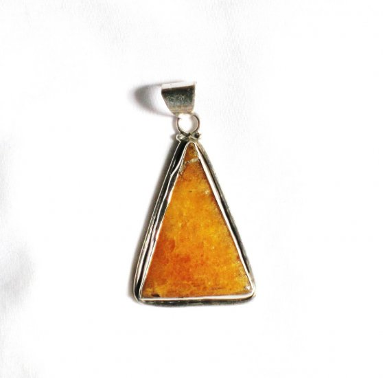 PN140 Agate Pendant in Sterling Silver