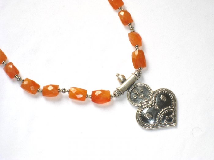 ST066 Carnelian Necklace in Sterling Silver