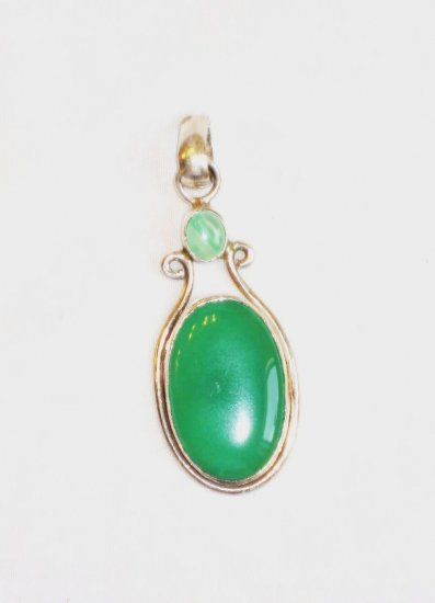 PN078      Green Onyx Pendant in Sterling Silver