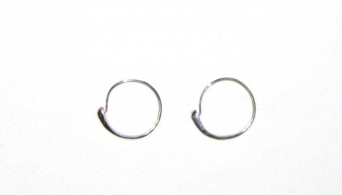 ST418       Modern  Hoop Earrings in Sterling Silver