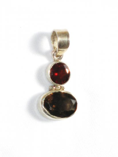 ST253       Garnet and Smoky Quartz Cut Stone Pendant in Sterling Silver