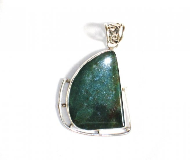 PN214       Moss Agate Pendant in Sterling Silver