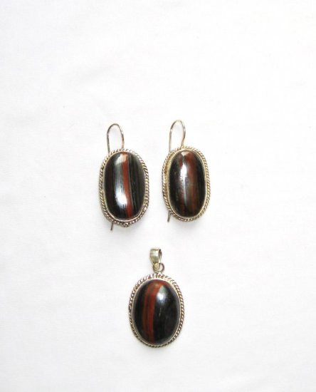 ER113       Tiger Iron Earring and Pendant Set in Sterling Silver