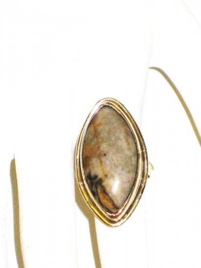 RG022 - Agate Ring in Sterling Silver - Size 6