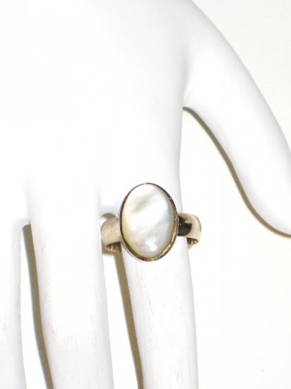 RG038       Mother of Pearl Ring in Sterling Silver, Size 7