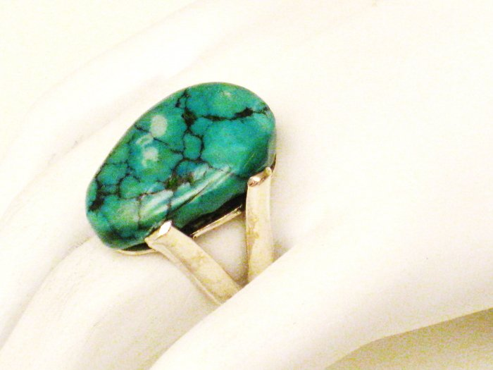 RG156       Turquoise Ring in Sterling Silver, Size 6