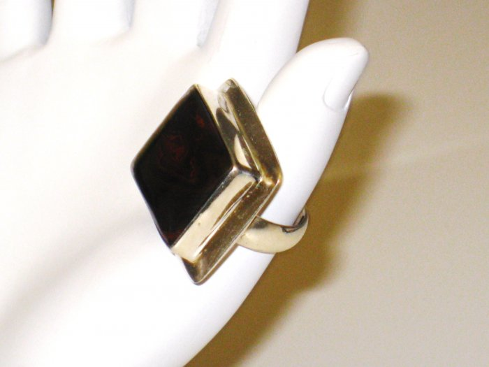 RG076       Agate Ring in Sterling Silver, Size 5