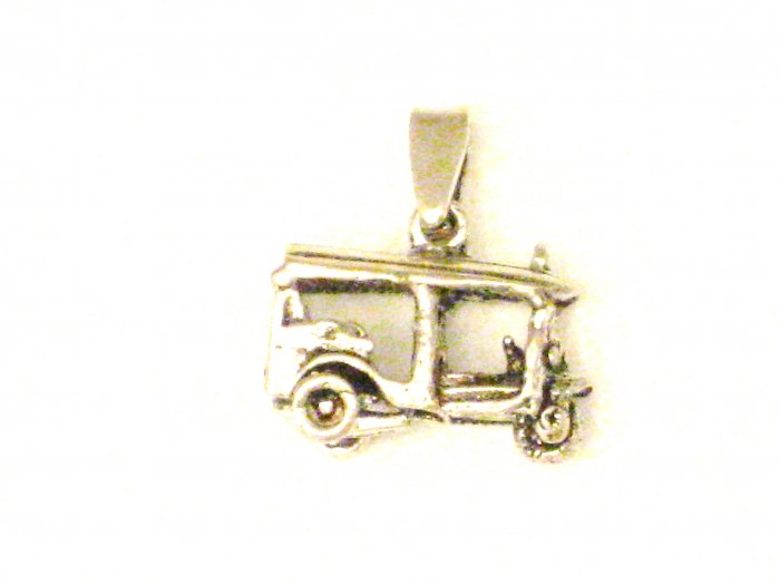 CP008       Antique Car Pendant in Sterling Silver