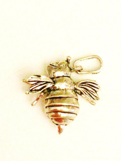 CP020       Bumble Bee Pendant in Sterling Silver