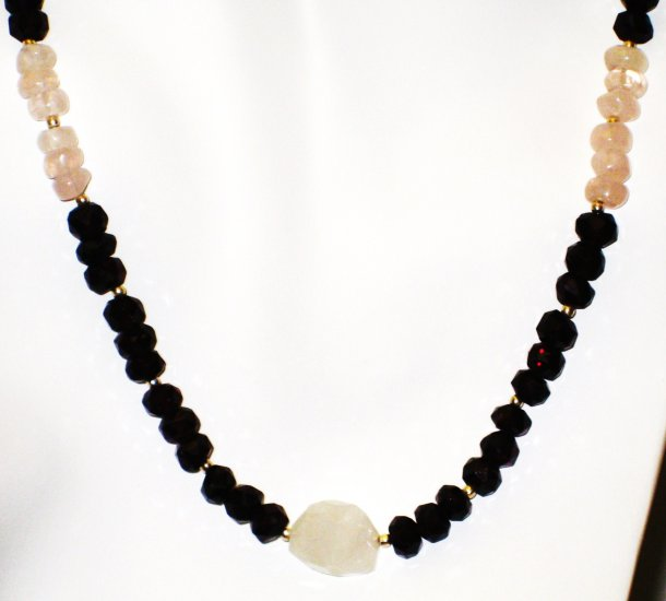 NK001       Garnet and Rose Quartz Necklace in Sterling Silver