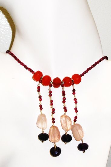 NK028       Onyx, Rose Quartz and Carnelian Necklace in a Garnet Strand.