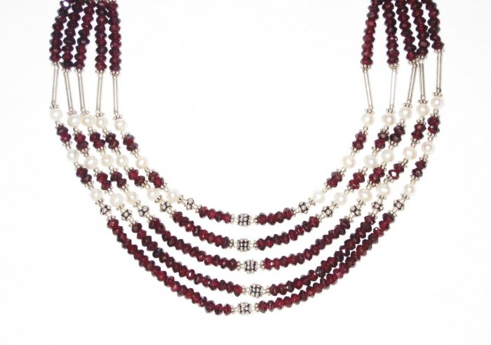 ST522       Garnet and Pearl  Necklace in Sterling Silver