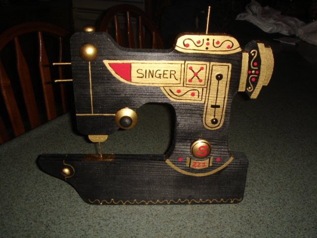 Decorative Sewing Machine Thread Rack - OLD BLACK SINGER- 221