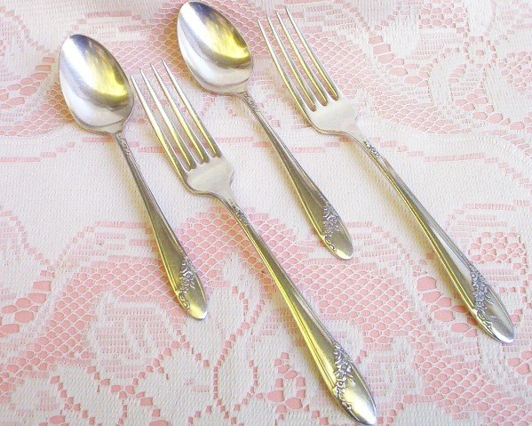 Oneida Tudor Silverplate �Community� Forks & Spoons  FREE SHIPPING!