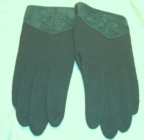 SOLD! Ladies Lambs Wool & Cashmere Green Gloves