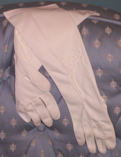 SOLD! Ladies White 3/4 Length Cotton Gloves with French Knots-Vintage hand stitched