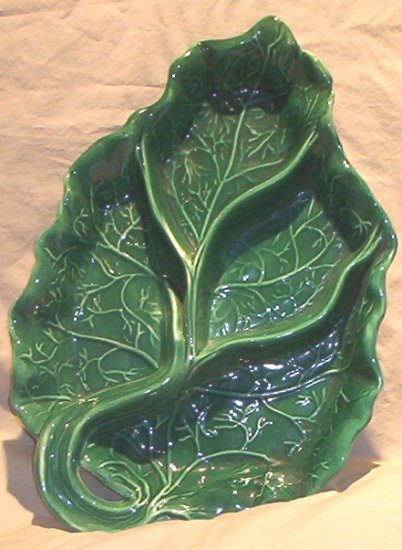 �Rhubarb� Leaf Serving Dish by Coral M ? 1951 FREE SHIPPING!