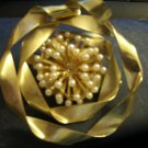 Vintage, Gold Ribbon, Flower Shaped, Brooch With Pearls in Center