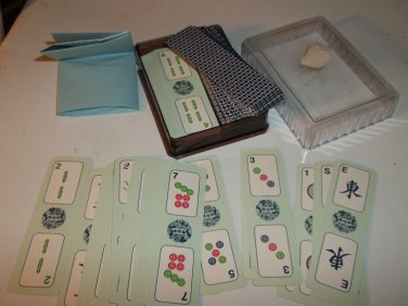 Mahjong Cards in Plastic Box        146 Cards