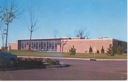 Student Center, Rhode Island College Providence, RI  Plastichrome Postcard circa 1950s   #0222