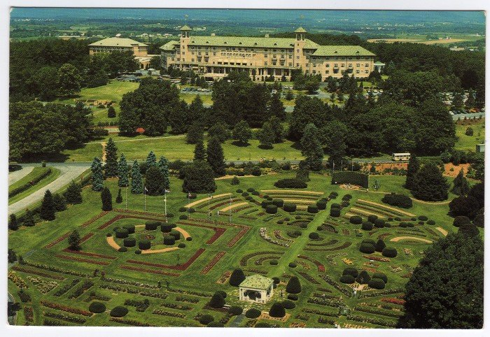 Hotel Hershey, Birds eye view showing front gardens Hershey, PA Postcard #0360