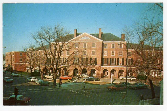 The Tidewater Inn  Easton, MD  postcard c. 1960s cars  #0391