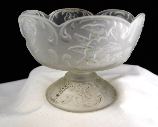 McKee Wild Rose with Bowknot Frosted Crystal Jelly Compote