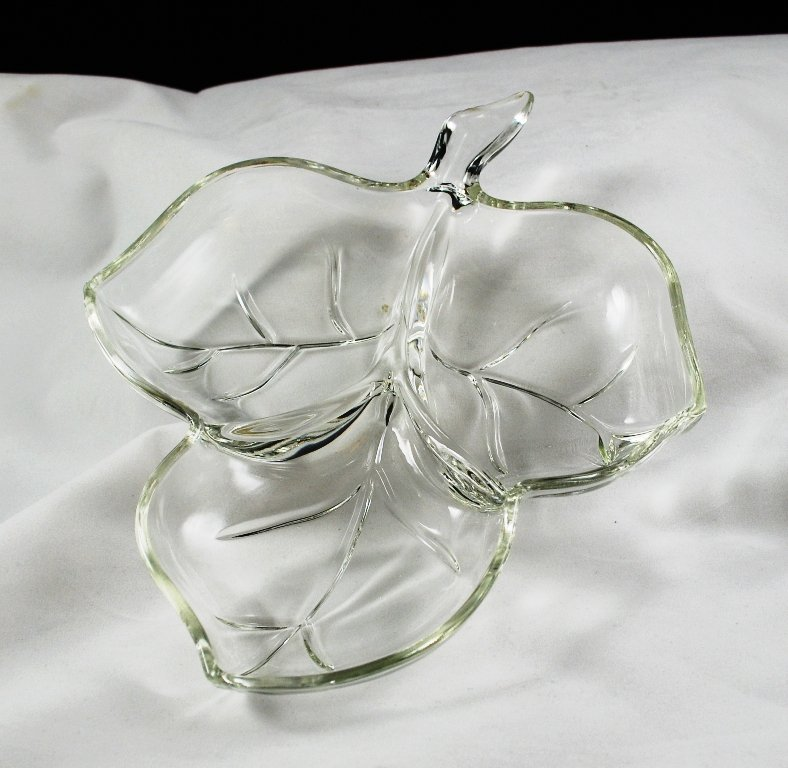 Hazel Atlas Crystal Clear Leaf Accent Candy Mint Tray Dish