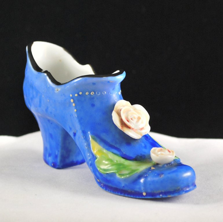 Japan Blue Miniature Porcelain Shoe with Flowers