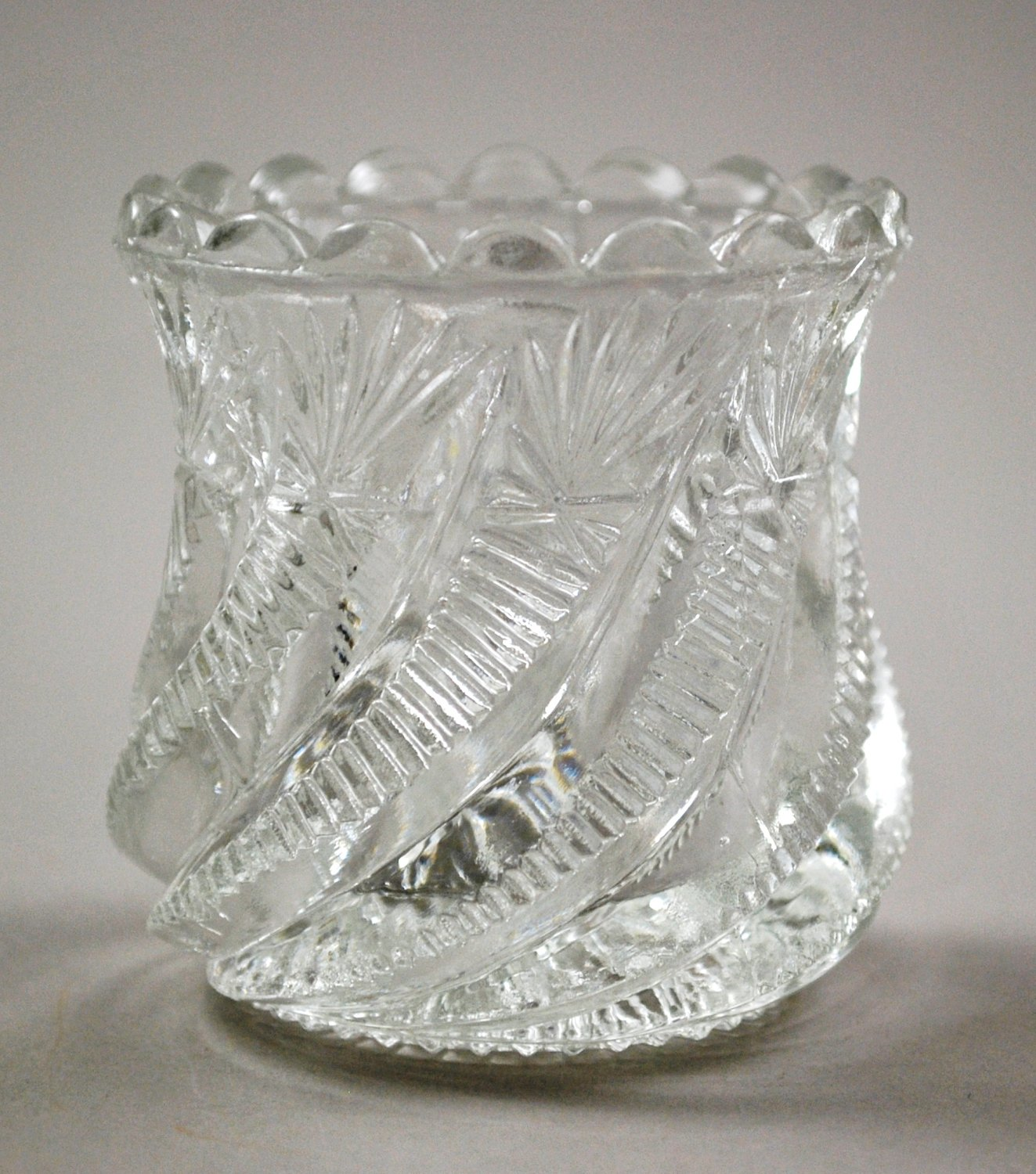 Bryce, Higbee 1905 Swirl and Panel Clear Glass Toothpick Holder