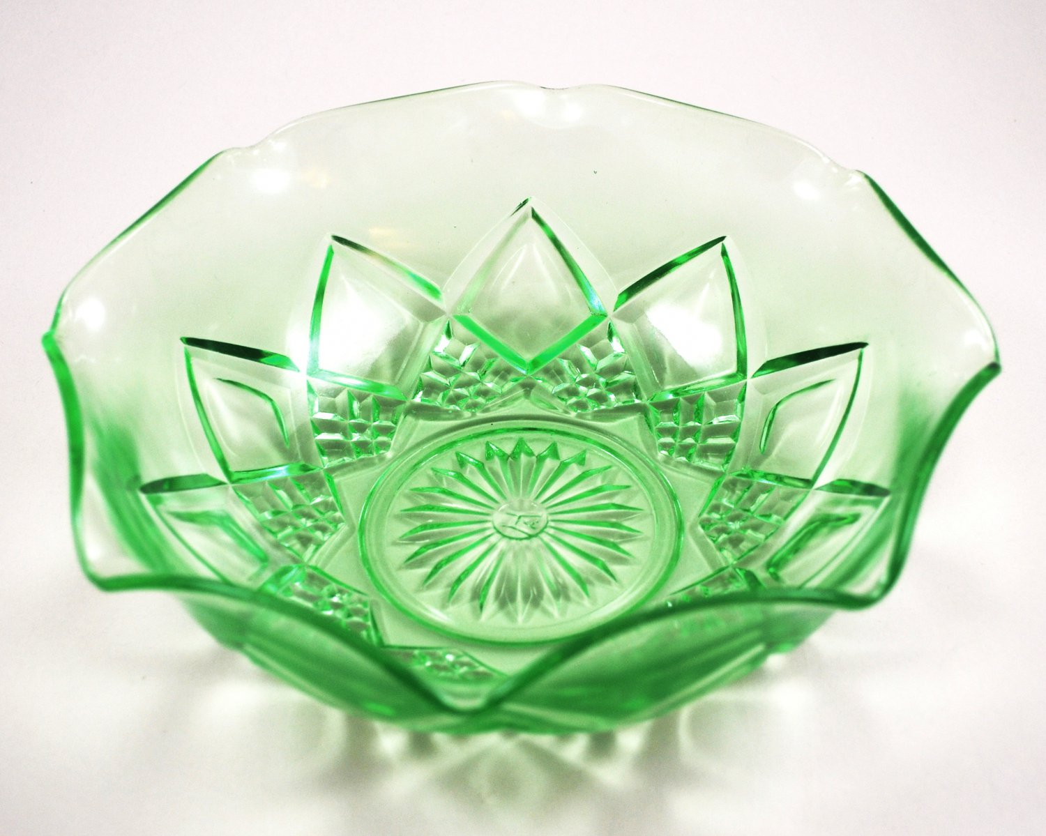 Hazel Atlas Depression Glass Fancy Large Berry Ruffled Green Bowl