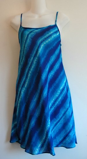 NEW VICTORIA SECRET BLUE TIE DYE NIGHTGOWN CHEMISE SZ M